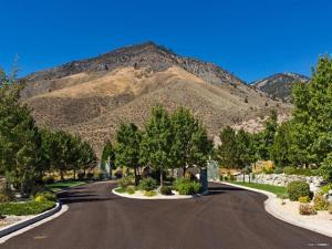 Canyon Creek Main :: Chase International